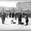 Demonstrationsverbot am 1. Mai 1933. Abriegelung der Wiener Innenstadt, hier verlängerte Kärntnerstraße gegen Porrhaus. © ÖNB (161.501 B)
