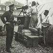 Justizpalastbrand 1927. Maschinengewehrabteilung auf dem Dach der Garage in der Marokkanerkaserne, Richtung gegen den Heumarkt. © ÖNB (Pk 4975, 36)