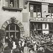 Ständchen einer HJ-Kapelle für Gauleiter Bürckel © ÖNB (Pz 1938 IV 11/Wien/1/1)